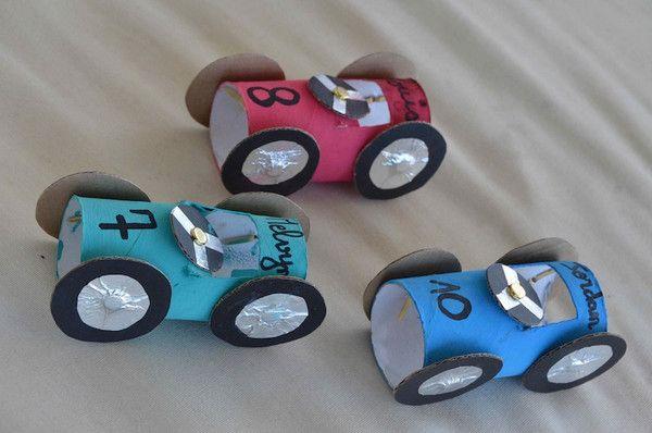 fabrication de voitures de courses wagons activit manuelle 3 ans. Black Bedroom Furniture Sets. Home Design Ideas